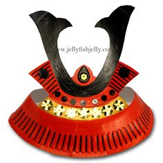 Make this Samurai Paper Plate Helmet as a teaching tool for understanding Japanese history or as part of a costume. Samurai helmets come from Japan. Paper Plate Crafts, Paper Plates, Japan For Kids, Samurai Helmet, Samurai Outfit, Samourai Tattoo, Boys Day, Japan Crafts, Crafts For Kids To Make