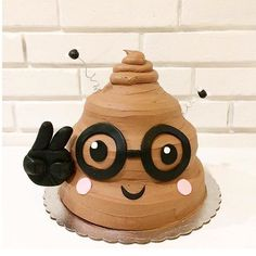 that's not actually poop! In fact, it is, THE emoji everybody uses. It may not be the prettiest but it is definitely the most delicious. (Hint: Its our Chocolate Peanut Butter Cake) Brithday Cake, Birthday Cake Girls, Diy Birthday, Birthday Ideas, Happy Birthday, Emoji Poop Cake, Cute Cakes, Awesome Cakes, Occasion Cakes