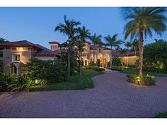 Traditional Mediterranean golf estate home - Bay Colony - Naples