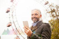 Mann beim Riesenrad Ferris Wheel, Destinations