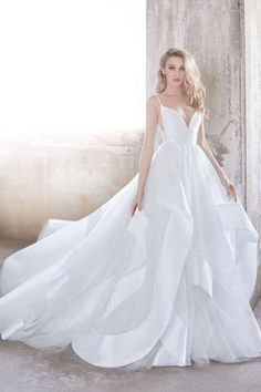 Hayley Paige wedding dress - Tulle bridal ball gown with side cut out and banded skirt - Andi by Hayley Paige 2018 Bridal Collection
