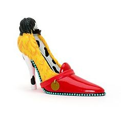 Cruella de ville's decorative shoe - another one to add to the collection of must haves! Disney Shoes, Disney Outfits, Disney Clothes, Disney Parks, Disney Shoe Ornaments, Unique Heels, Decorated Shoes, Glitter Heels, Disney Villains