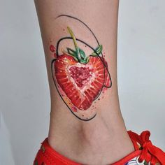 Watercolor strawberry tattoo, done in about hours. Great Tattoos, Small Tattoos, Tattoos For Guys, Tattoos For Women, Line Work Tattoo, Dot Work Tattoo, Tattoo Ink, Design Tattoo, Tattoo Designs