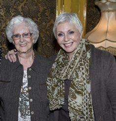 Noëlla Therrien, la mère de Renée Martel, est décédée samedi soir, à l'âge de 88 ans http://www.journaldemontreal.com/2015/03/29/noella-therrien-la-mere-de-renee-martel-est-decedee…