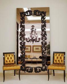 VERSACE HOME Serge Mirror (ayna tasarımına bayıldım! lamba da çok güzel ve aynayla birbirlerine çok yakışmışlar)