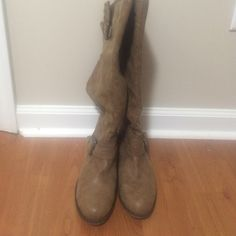 Light brown boots size 8 Only worn once boots size 8. Shoes