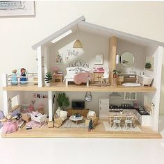 Eeek!!! I'm soo excited to see one of our Whimsy Luxe houses all decorated and ready to be an awesome Christmas present! This is just beautiful and filled with soo many little details that your daughter will love @annettebailey1 !!! It is soo amazing to think of all the little ones that will be enjoying their dollhouses and goodies this Christmas. Please tap photo for details.