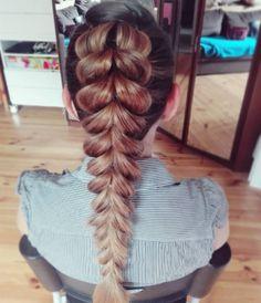 Wspominałam już kiedys że kocham warkocze?  #fryzura #swiadkowej #fryzuraslubna #warkocz #fryzury #krokpokroku #blogowlosach #ilovemyjob #pullthroughbraid #braidphotos #hotd #hairart #lovehair #brunette #hairstylistlife