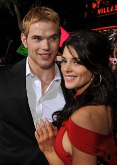 Kellan Lutz and Ashley Greene at event of New Moon