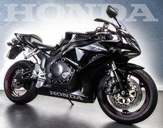 Honda CBR1000 Fireblade @ côngtycứudữliệutrầnsang http://cuudulieutransang.wix.com/trangchu