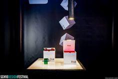 5 - Chiusa la confezione è un cubo perfetto, con all'esterno la grafica minimale su fondo bianco che esalta il logo dell'azienda, riprendendone i colori e riproponendo il modulo del quadrato, elemento di sintesi del progetto. #Skatola #encoder #Lika