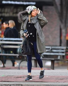 Sienna Miller nails her off-duty style in a star-print jumper Sienna Miller, Star Print, Off Duty, Star Fashion, Jumper, Winter Jackets, Take That, Hipster, Beanie