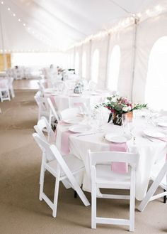 Early Spring Wedding // Pink  | Venue: On Sunny Slope Farm | Photographer: The Mallorys