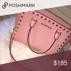 Michael Kors  Selma Nothing wrong with it in perfect condition I always take care of my purses. I used to be in love with this purse but I have not had Time to wear it so I lost interest KORS Michael Kors Bags Crossbody Bags