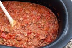 This slow cooker sauce is a Bolognese style sauce with plenty of meat and a variety of vegetables. You won't believe this came from a slow cooker! Slow Cooker Ground Beef, Best Slow Cooker, Ground Beef Recipes, Slow Cooker Recipes, Crockpot Recipes, Beef Sauce, Meat Sauce Recipes, Pasta Recipes, Chicken Recipes