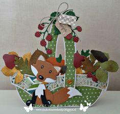 Tineke's kaartenhoekje Fall Cards, Christmas Cards, Rena, Stencil Designs, Card Designs, Marianne Design, Basket, Kids Rugs, Shapes