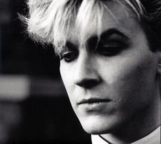 david-sylvian-free-listening-concerts-stats-amp-pictures-at-last-1387397735_org.jpg (500×446)