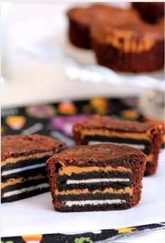 This Oreo and Peanut Butter Brownie Recipe is a Deceptive Dessert #valentinesday