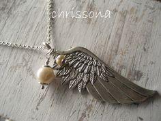 Kette Engelsflügel mit Süßwasserperlen von chrissona auf DaWanda.com