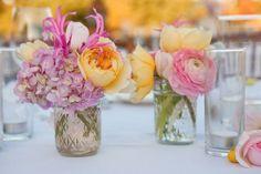 déco florale de table couleurs-jaune-violette