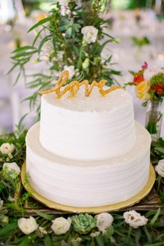 White wedding cake: http://www.stylemepretty.com/connecticut-weddings/2015/02/02/intimate-connecticut-wedding-at-gwyn-careg-inn/ | Photography: Ashley Therese - http://ashleytheresephotography.com/