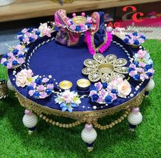 likes · 6 talking about this · 180 were here. Customized gifting for all occasions,exclusive trousseau. Diwali Decoration Items, Thali Decoration Ideas, Flower Diy, Diy Flowers, Karwa Chauth Gift, Diy Fest, Trousseau Packing, Diwali Diya, Indian Home Decor