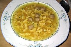 Stew Soup by guanoapes Soup Recipes, Recipies, Cooking Recipes, Austrian Recipes, Austrian Food, German Desserts, Cheeseburger Soup, Stew, Food And Drink