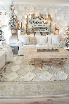Are you searching for ideas for farmhouse living room? Browse around this site for perfect farmhouse living room images. This kind of farmhouse living room ideas seems totally wonderful. Fresh Christmas Trees, Cozy Christmas, Cottage Christmas, Christmas Mantels, Aqua Christmas, Apartment Christmas, Christmas Staircase, Winter Wonderland Christmas, Christmas Villages