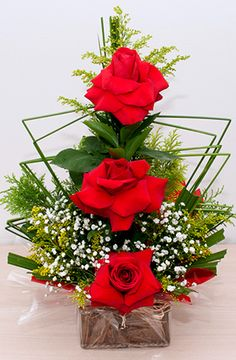 Valentine Flower Arrangements, Modern Floral Arrangements, Creative Flower Arrangements, Church Flower Arrangements, Church Flowers, Rose Arrangements, Beautiful Flower Arrangements, Elegant Flowers, Beautiful Flowers