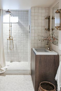 Portfolio of Kaemingk Design, a Portland, Oregon based interior design company. Boho Bathroom, Bathroom Interior, Bathroom Storage, Small Bathroom, Bathroom Goals, Modern Bathrooms, Living Room Interior, Bad Inspiration, Bathroom Inspiration