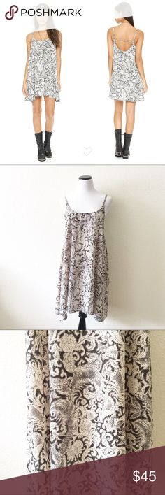 "Free People paisley print dress Details: Beautiful dress from intimately Free People  Size: M Material: in photos  Condition: EUC Measurements are taken flat! Chest:   20"" (armpit to armpit)  Length:  35"" (from shoulder)  ☑️ Bundle Discounts  ☑️Fast shipping  ☑️Posh Ambassador  ✨Shop with confidence! Free People Dresses Midi"