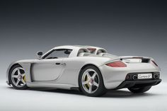 Porsche Carrera GT - 1:18 Scale Diecast Model Car