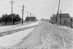 Danforth looking east from Pape, Toronto, 1913