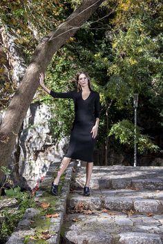 Πλεκτό midi φόρεμα V σε μαύρο χρώμα – onesize Shirt Dress, T Shirt, High Neck Dress, Winter, Dresses, Fashion, Supreme T Shirt, Turtleneck Dress, Winter Time