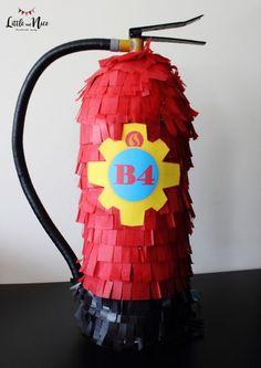 Piñata Sam el Bombero Fireman Party, Firefighter Birthday, Fireman Sam, Birthday Pinata, Baby Boy Birthday, Balloon Decorations Party, Party Themes, Party Ideas, Fireman Baby Showers