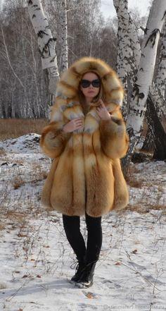 Buy The coat of the Siberian red Fox. Fur Coat Fashion, Winter Fur Coats, Fur Clothing, Fabulous Furs, Fox Fur Coat, Fur Jacket, Coats For Women, Mantel, Petite Style