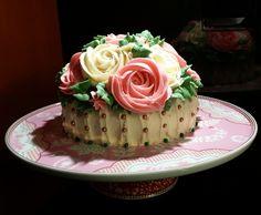 Buttercream Rose bouquet Cake