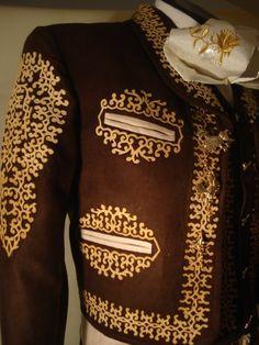 traje de charro grecado en gamuza Charro Outfit e64ddb27842
