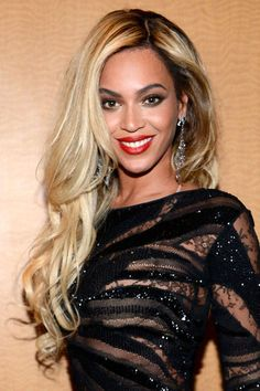The Most Flattering Blonde Hair Colors for Every Skin Tone — Beyonce: Dark Skin, Buttery blonde hair Black Hairstyles With Weave, Weave Hairstyles, Cool Hairstyles, Hairstyle Hacks, Layered Hairstyles, Hairstyles 2016, Summer Hairstyles, Hair Color For Dark Skin, Cool Hair Color