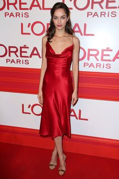 We are so in love with this evening outfit, Uma Grothe looks amazing in her red silk satin dress. We have a similar red silk slip dress in stock :) Red Slip Dress, Silk Satin Dress, Satin Slip, Satin Dresses, Fancy Dress, Prom Dresses, Gowns, Formal Dresses, Silk Slip