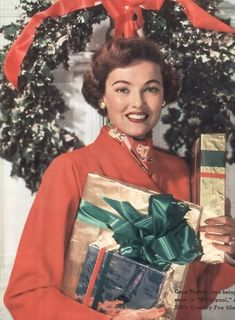 Gene Tierney Christmas shopping
