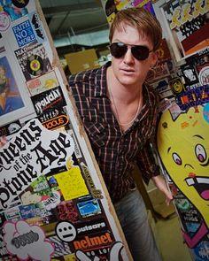 Josh Homme Behind Every Great Man, Josh Homme, Music Happy, Ginger Men, Baby Ducks, Samsung, Weird World, Death Metal, Dream Guy