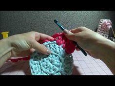 Tapete circular com fio de malha (troca de fio) - YouTube