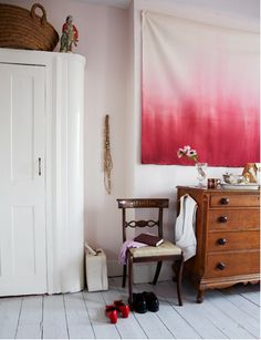 love the ombre wall hanging