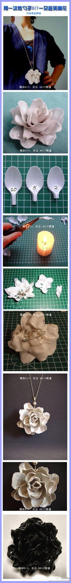 DIY : Pendentif fleur à base de petites cuillères en plastique | Le Meilleur du DIY