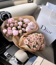 Love Rose Flower, Buy Flowers, Beautiful Flowers, Luxury Flowers, Flower Aesthetic, Pink Peonies, Red Roses, Planting Flowers, Flower Arrangements