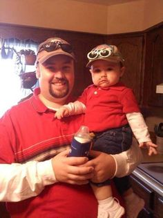23 Kids Who Are Totally Nailing This Halloween Thing I This baby girl who dressed up as her dad.