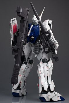 GUNDAM GUY: PG 1/60 Unicorn Gundam - Painted Build [Part 1]