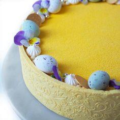 Min tredje og muligvis en af de allerbedste kager til dato - Påskekage 3.0 Fancy Desserts, Mousse, Goodies, Food And Drink, Cooking Recipes, Easter, Sweets, Party, Cakes