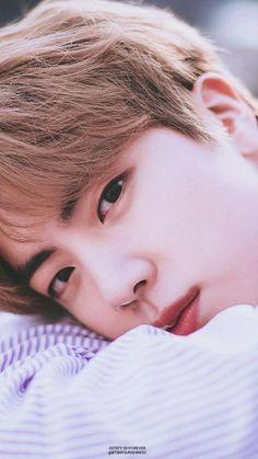 BTS✨ My dear cute princess aka jin lol Seokjin, Namjoon, Jimin, Bts Taehyung, Bts Bangtan Boy, Jhope, Foto Bts, Bts Photo, Park Ji Min